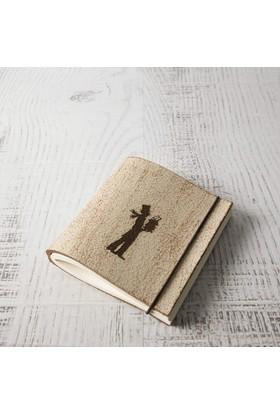 Bi'aldım El Yapımı Özel Tasarım Kitap Okuyan Adam Desenli Deri Defter