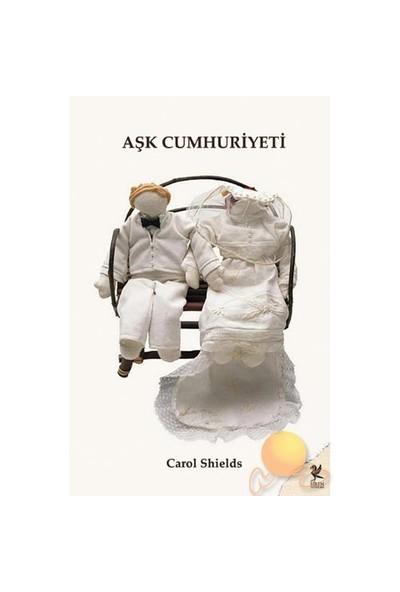 Aşk Cumhuriyeti-Carol Shields