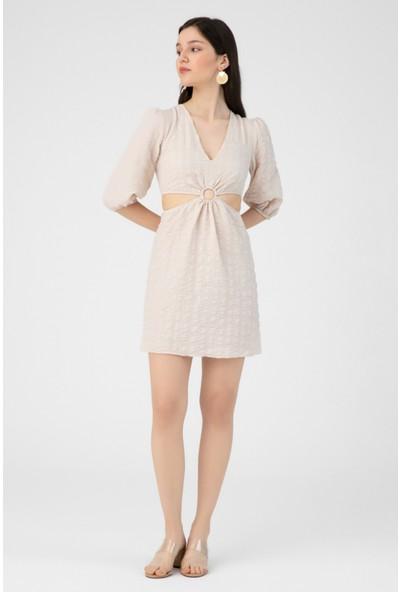 Berfuğ Kıran Yanları Açık Göbeği Halka Detaylı Elbise