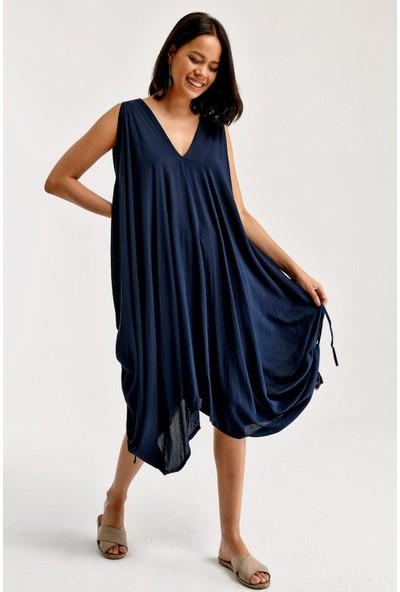 1moda1tarz Kadın Viscon Kumaş V Yaka Yırtmaçlı Boyundan ve Belden Bağlanılabilir Özel Tasarım Elbise