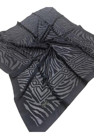 Piramit Siyah Yakma Desenli Eşarplar