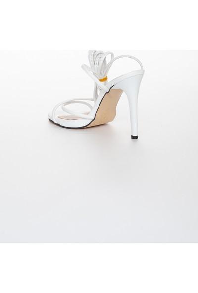 Zulu Kadın Beyaz Bağcıklı 10 cm Ince Topuklu Yazlık Ayakkabı