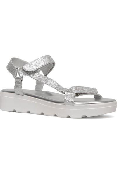 Nine West Brıngly3 Gümüş Kadın Kalın Tabanlı Sandalet