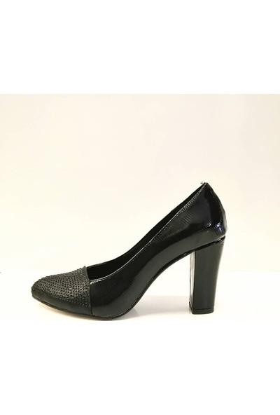 Elmonta Burnu Taşlı Çizgi Desenli Parlak Siyah Abiye Stiletto Ayakkabı