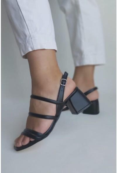 Zulu Kadın Siyah Kısa Kalın Topuklu Ayakkabı