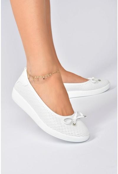 Beyaz Kadın Günlük Ayakkabı K848212309