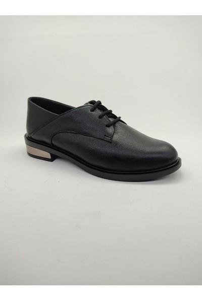 Siyah Bağcıklı Kadın Ayakkabı