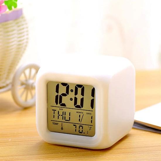 Çılgın Trend 7 Renk Değiştiren Alarmlı Dijital Küp Saat