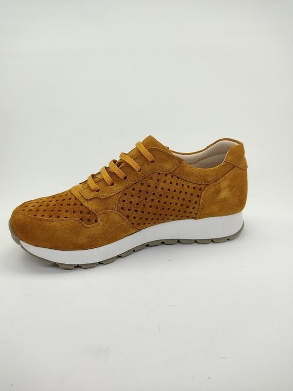 Süet Tarçın Rengi Spor Ayakkabı Comfortable