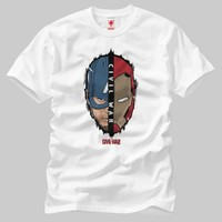 Crazy Captain America And Iron Man Split Face Erkek T-Shirt