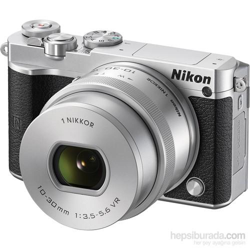 Nikon1 J5 Kit +1 Nikkor Aw 10-30Mm Pd-Zoom Silver Aynasız Fotoğraf Makinesi