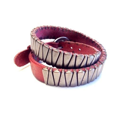 Betico Fashion Kırmızı Diş Zımbalı Bileklik