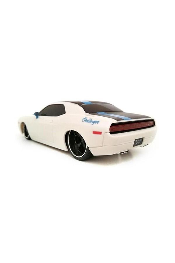 Concept 2006 Dodge Challenger R / C Car 1:24 White