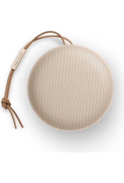 Bang & Olufsen Beosound A1 2. Nesil Su Geçirmez Taşınabilir Bluetooth Hoparlör Altın