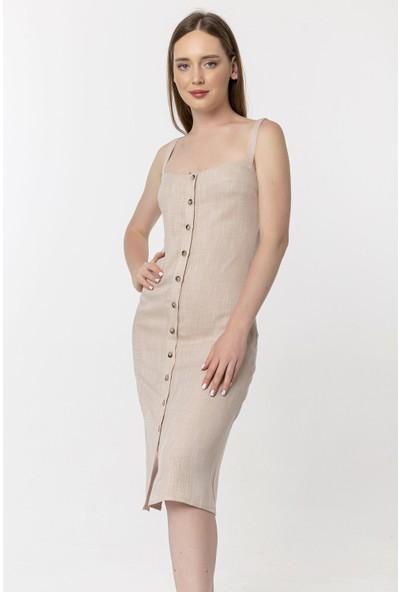 Coral Önü Düğmeli Askılı Elbise Bej