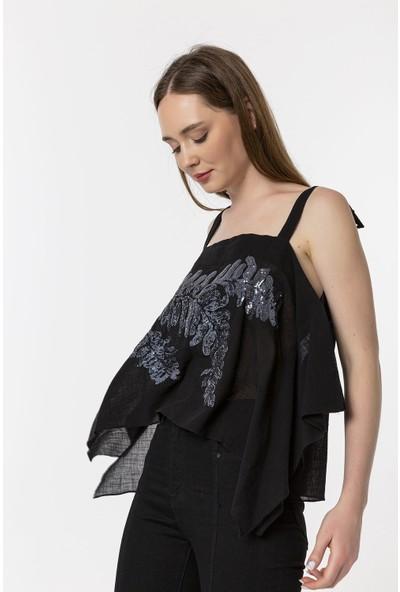 Coral Işlemeli Bluz Siyah