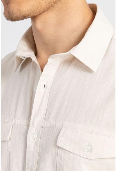 Tudors Slım Fıt Dar Kesim Kısa Kol Keten Çift Cep Yazlık Krem Erkek Gömlek