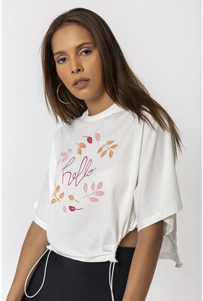 Coral Yapraklı Yazı Baskılı T-Shirt Ekru