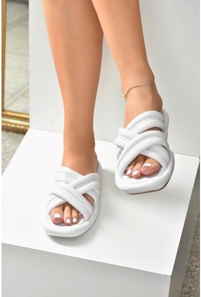 Fox Shoes Beyaz Kalın Bantlı Terlik K848220209