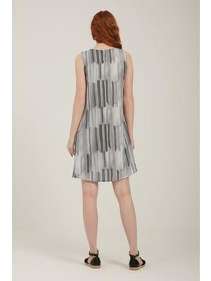 Batik Çizgili Kısa Elbise