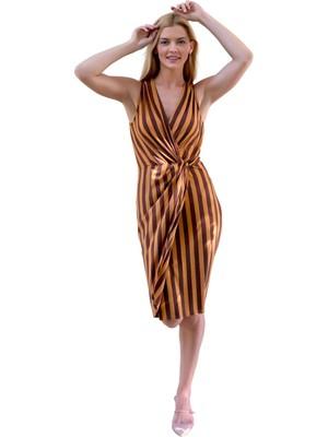 Şeilamia Kruvaze Yaka Büzgü Detaylı Elbise